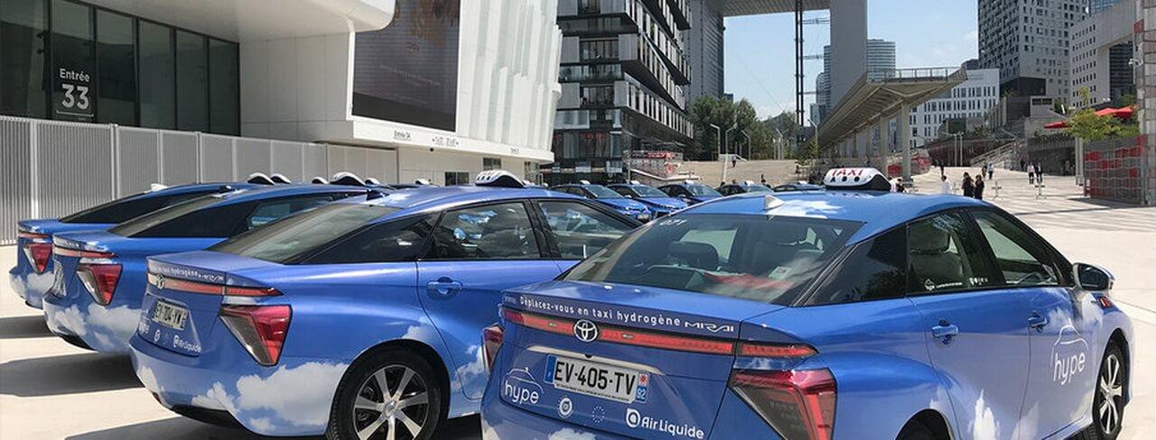 600 водородных Toyota Mirai пополнят автопарк парижского такси