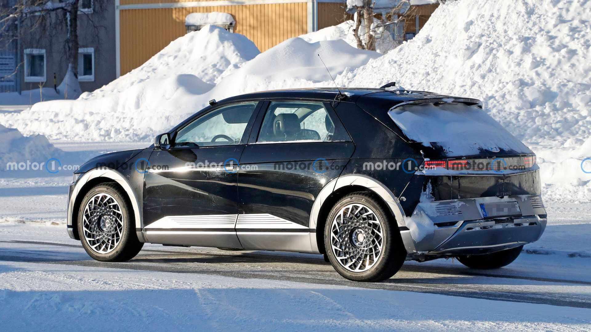 Серийный Hyundai IONIQ 5 без камуфляжа на дорогах общего пользования