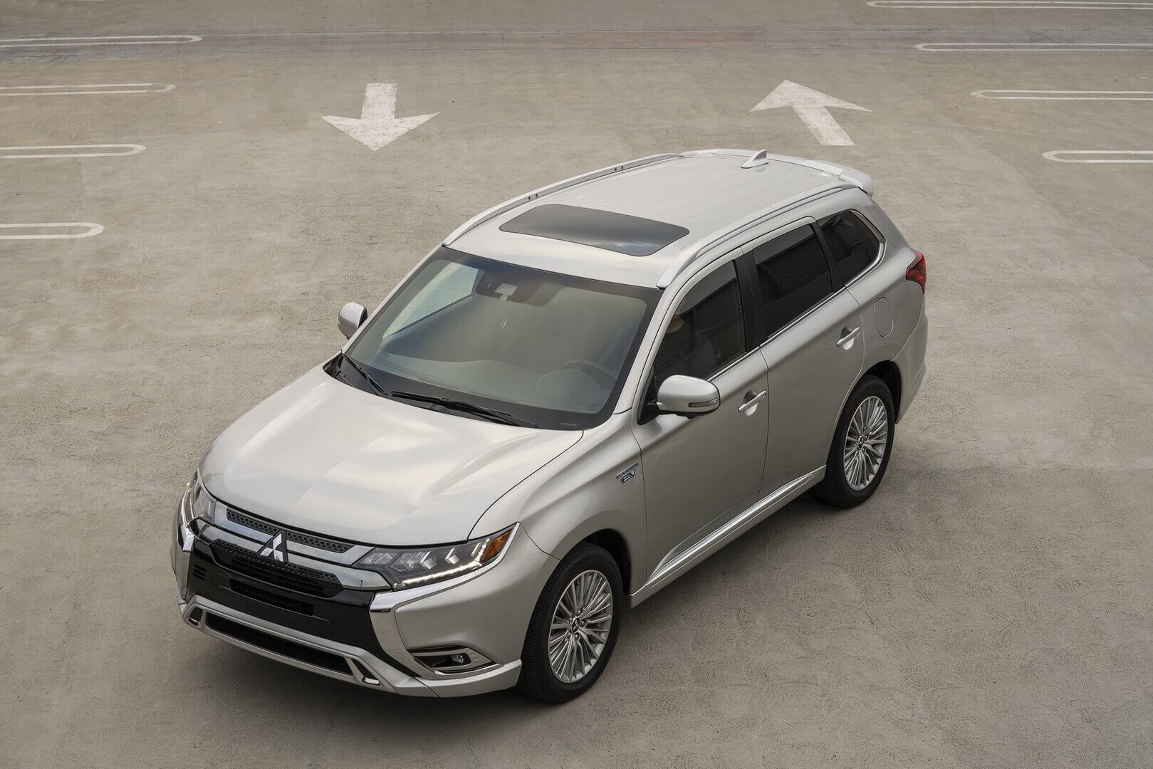 Mitsubishi Outlander PHEV 2021 года