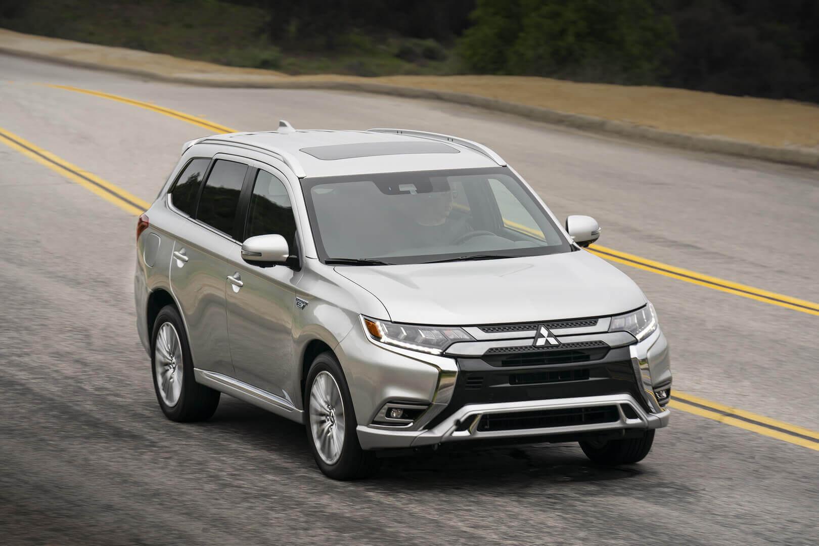 Mitsubishi обновила плагин-гибрид Outlander PHEV 2021 года