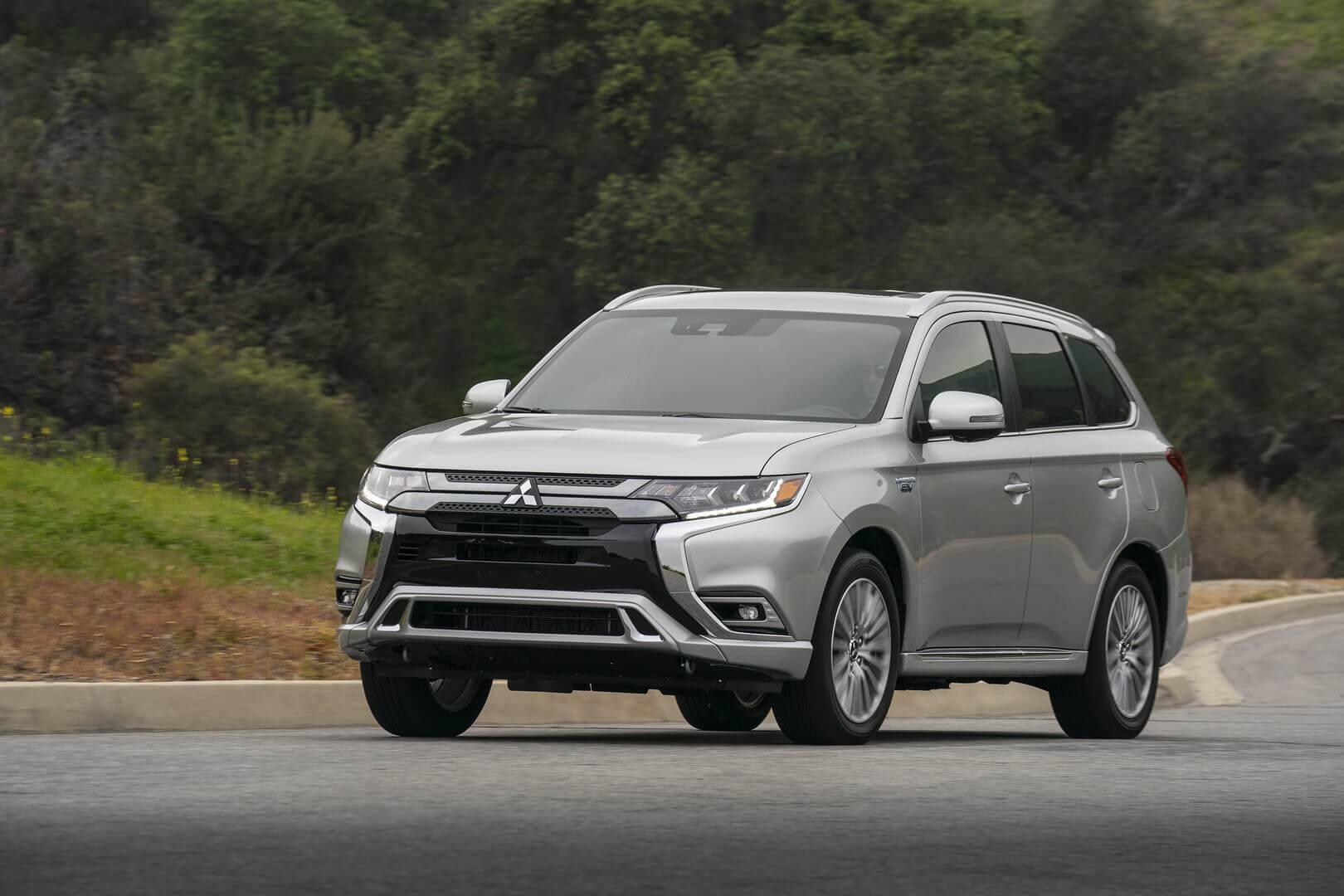 Mitsubishi обновил Outlander PHEV на 2021 год: больше мощности и электрического пробега