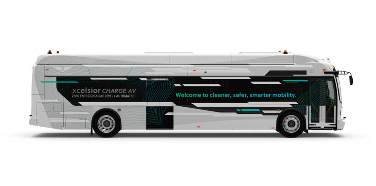 New Flyer представил беспилотный транзитный электробус в США