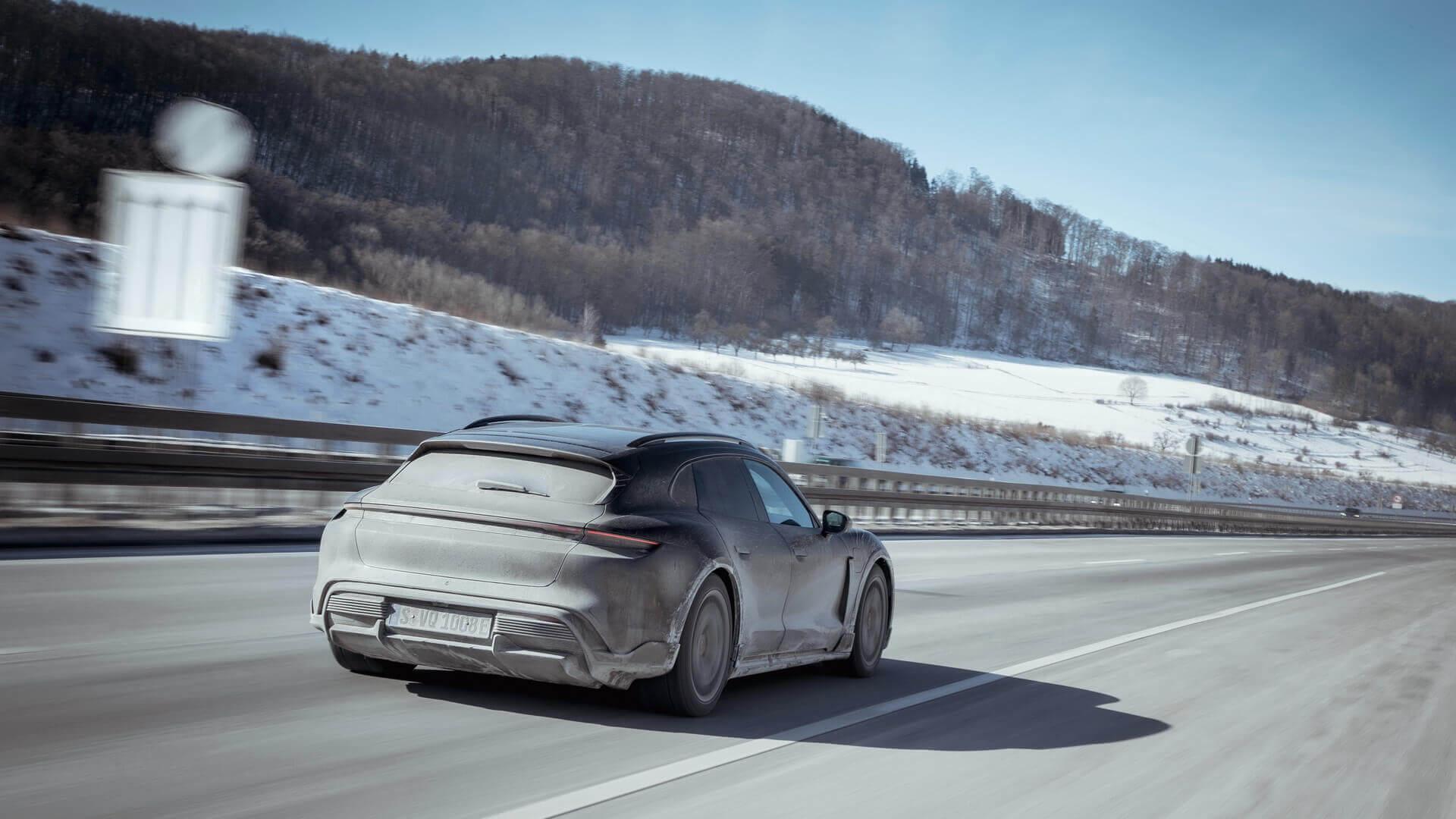 Зимние испытания электрического кроссовера Porsche Taycan Cross Turismo