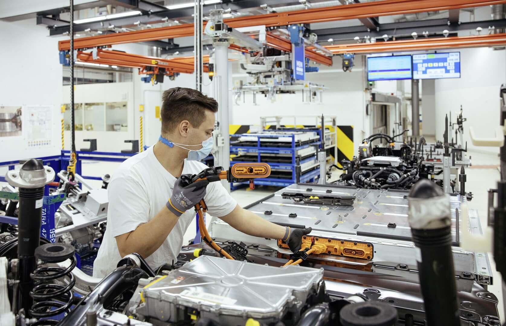 Стартовало серийное производство Volkswagen ID.3на «Прозрачной фабрики» вДрездене