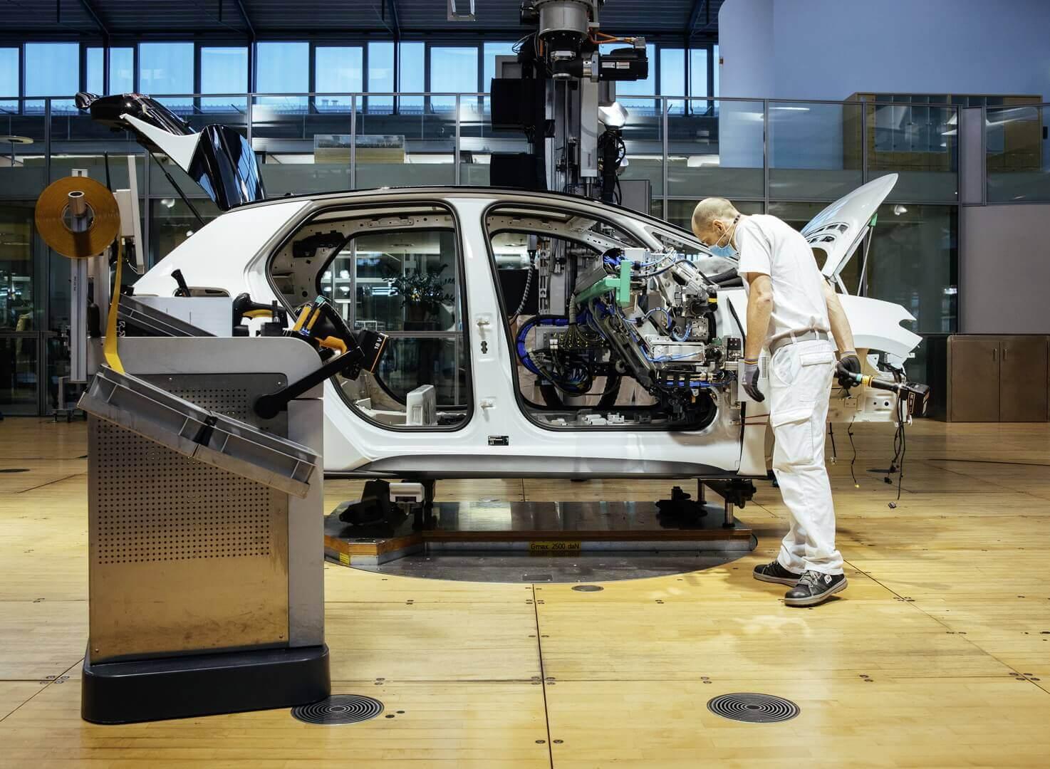 Volkswagen ID.3 начал выпускаться на«Прозрачной фабрике» вДрездене