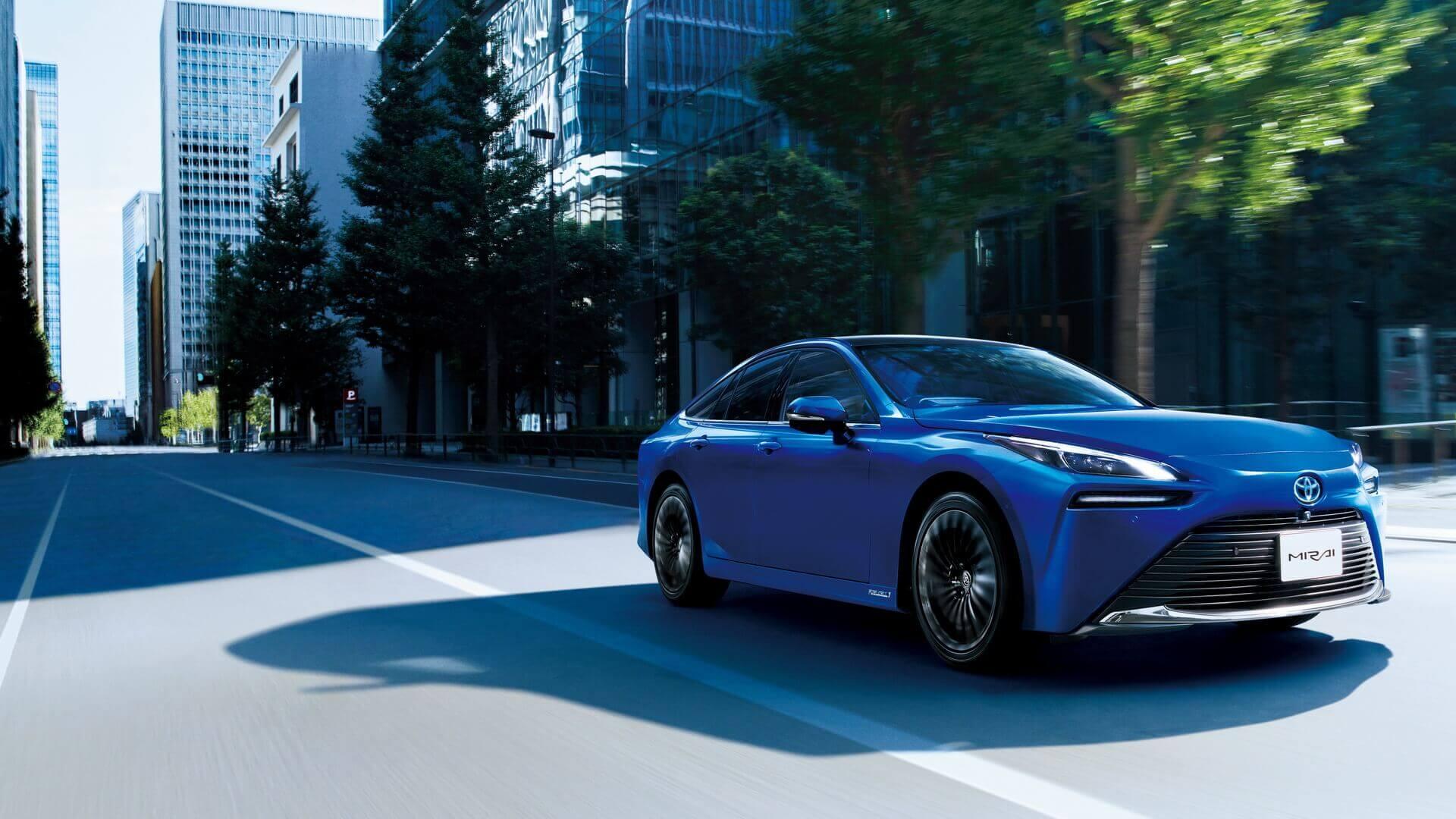 К2026 году около 1000 водородных седанов Toyota Mirai пополнят мадридский таксопарк