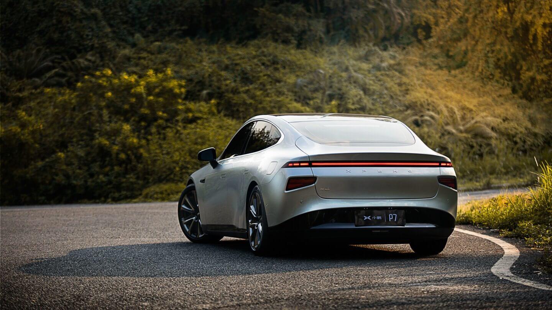 XPeng начинает поставки первых электромобилей P7 в Норвегию