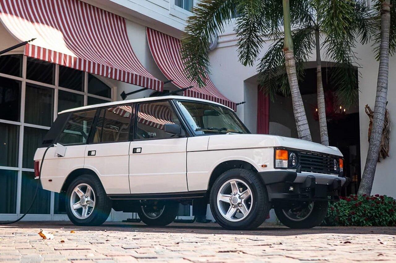ECD Automotive электрифицировала классический Range Rover