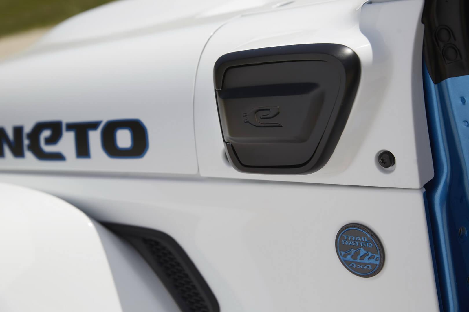 Зарядный порт Jeep Wrangler Magneto