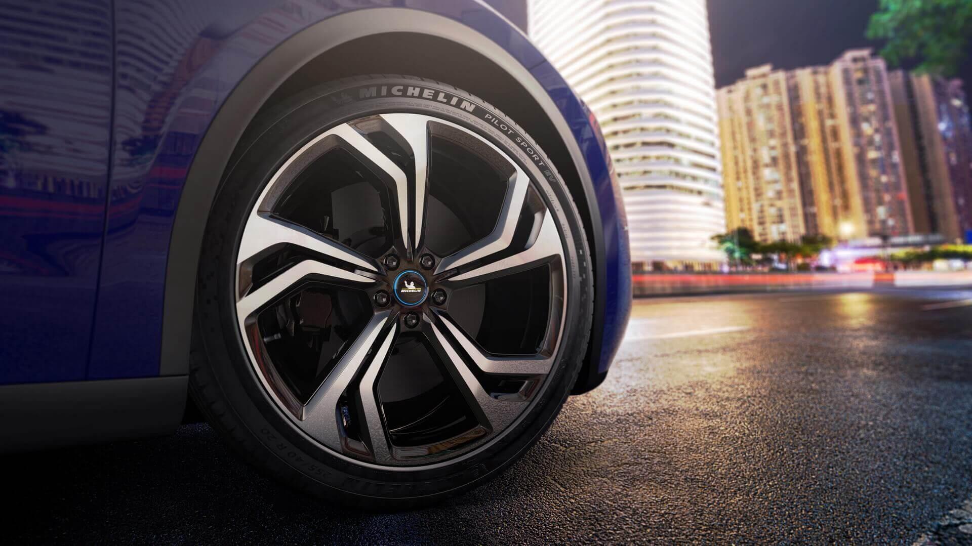 Michelin выпустила шину для электрических спортивных автомобилей