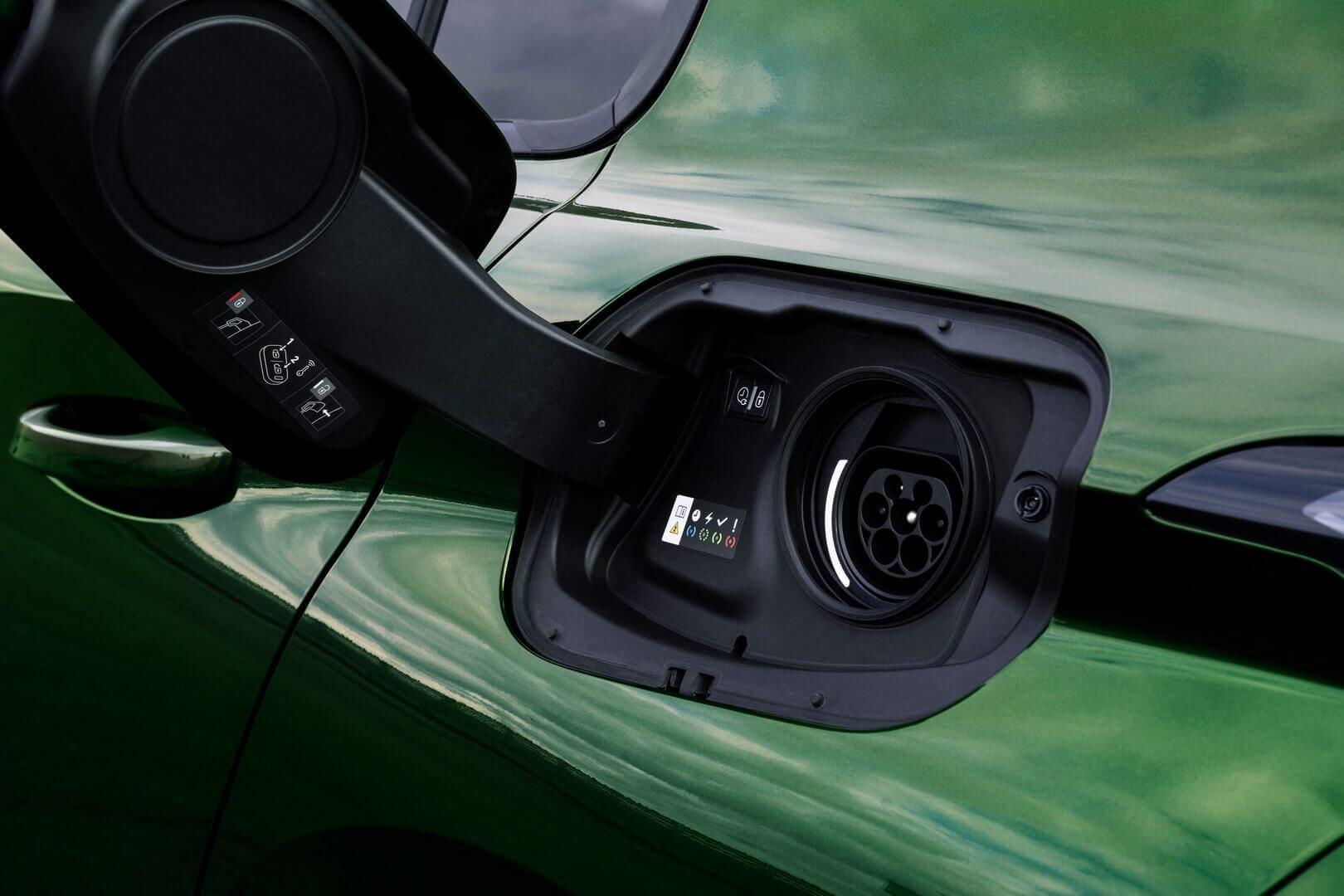 Зарядный порт Peugeot 308 PHEV