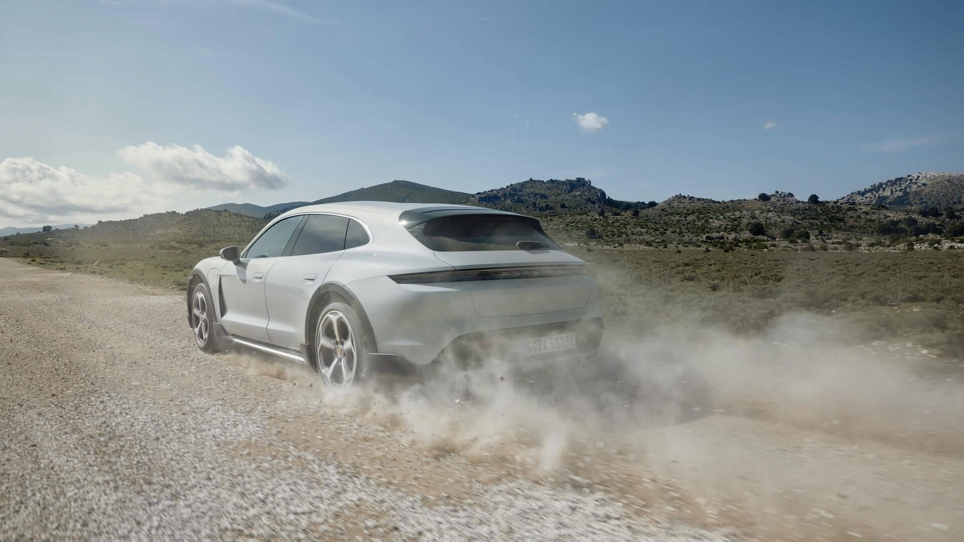 Фотография экоавто Porsche Taycan 4 Cross Turismo - фото 6
