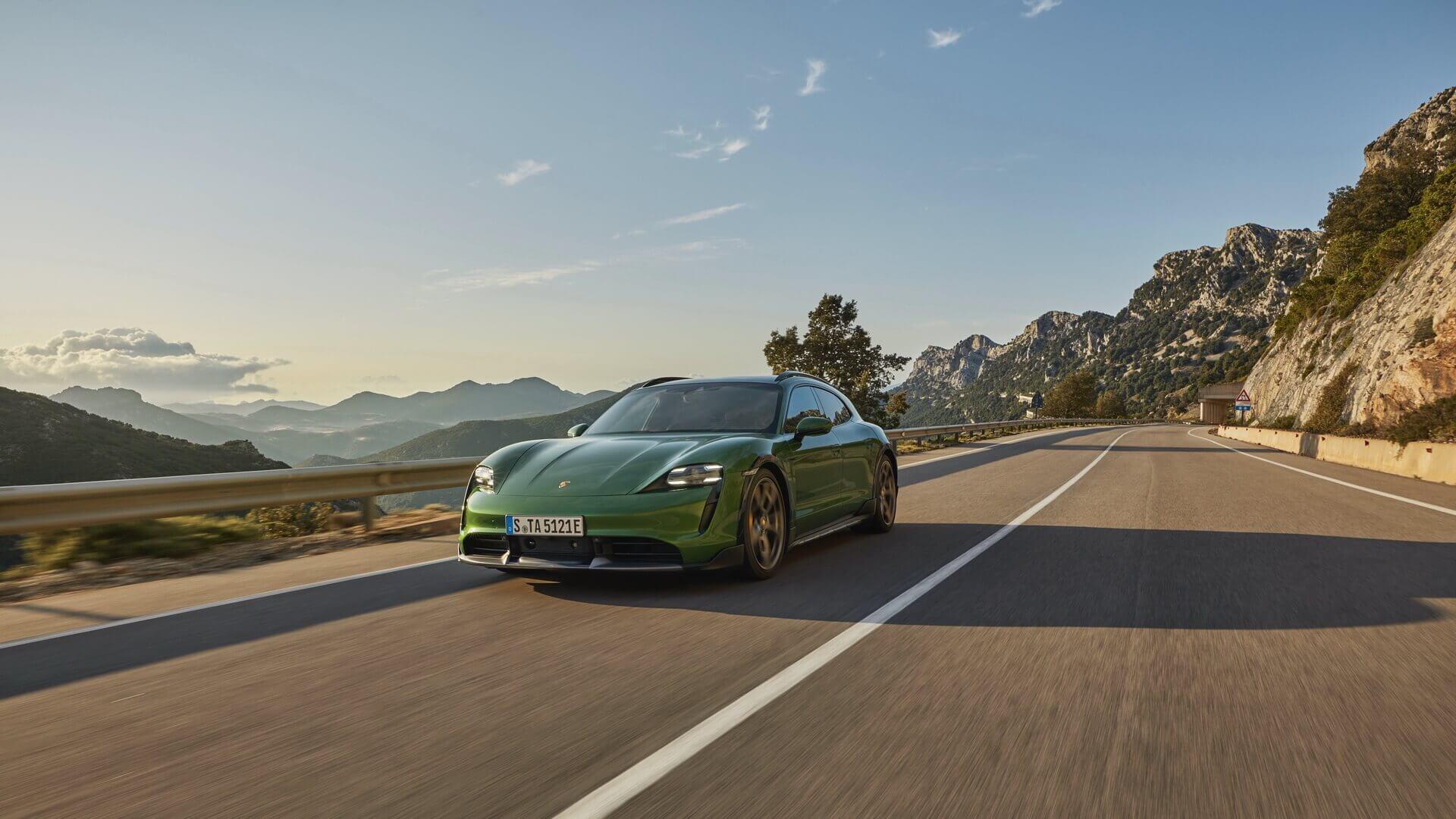 Фотография экоавто Porsche Taycan 4 Cross Turismo - фото 17