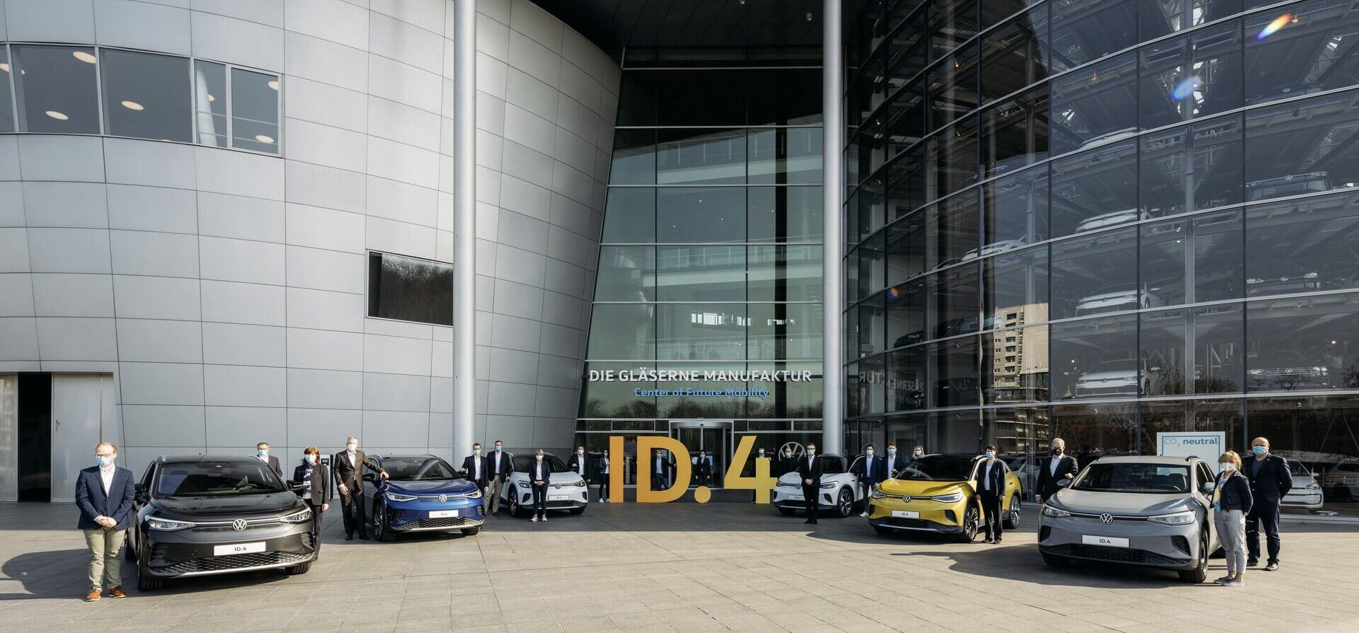 Volkswagen начал поставки электрокроссовера ID.4в Германии