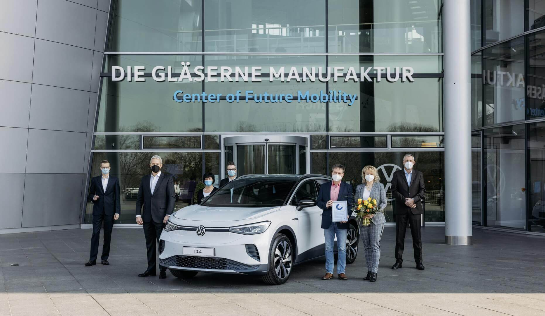 Первые поставки Volkswagen ID.4 клиентам в Дрездене