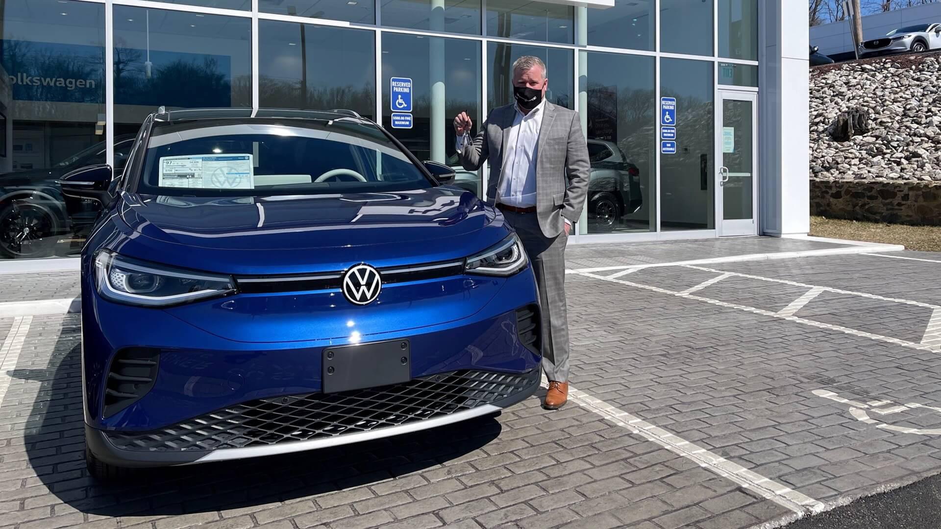 Первая партия Volkswagen ID.4 разъехалась по дилерским центрам США