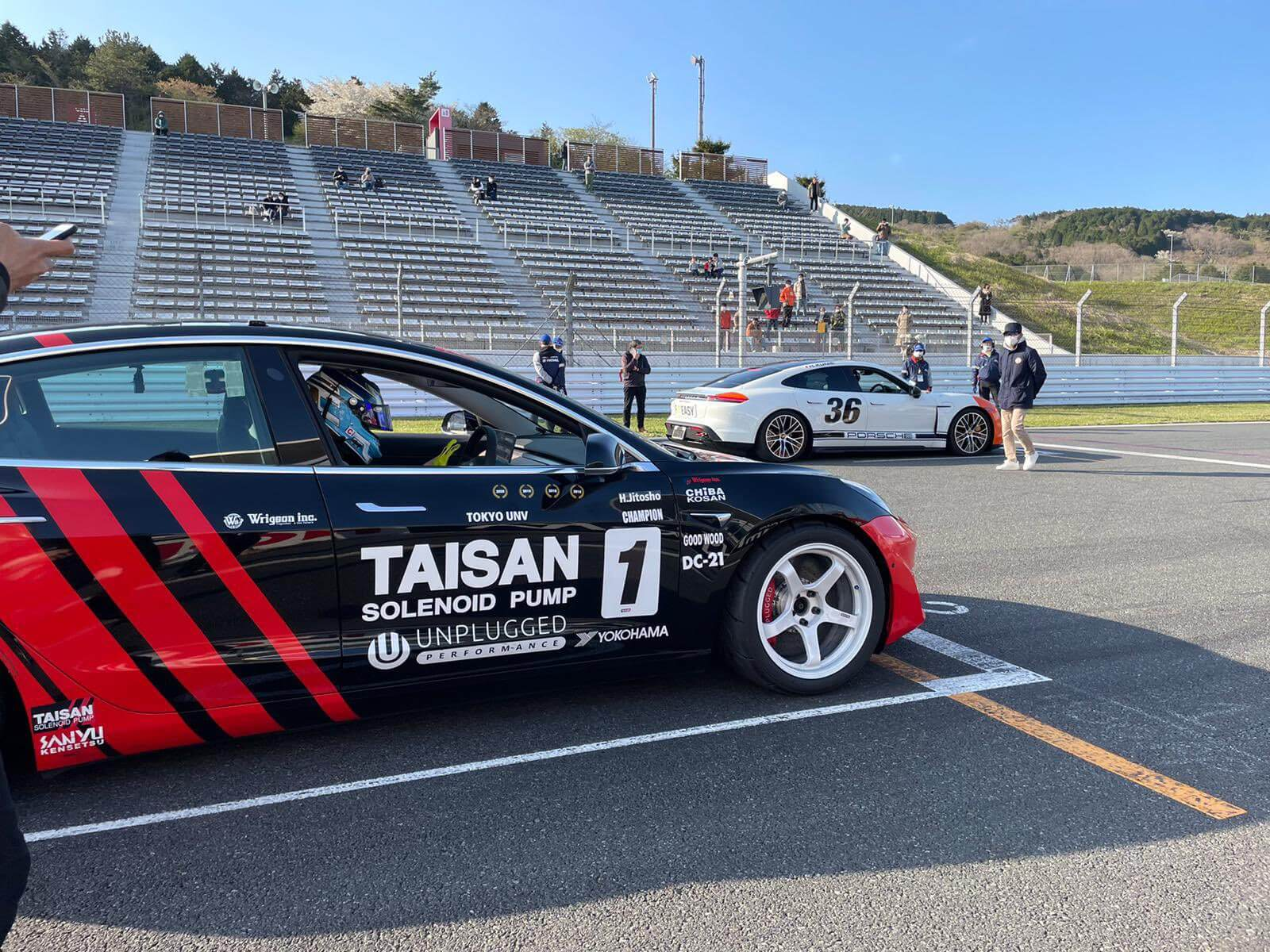 Tesla Model 3в тюнинге Unplugged Performance выиграла гонку All Japan EV Grand Prix