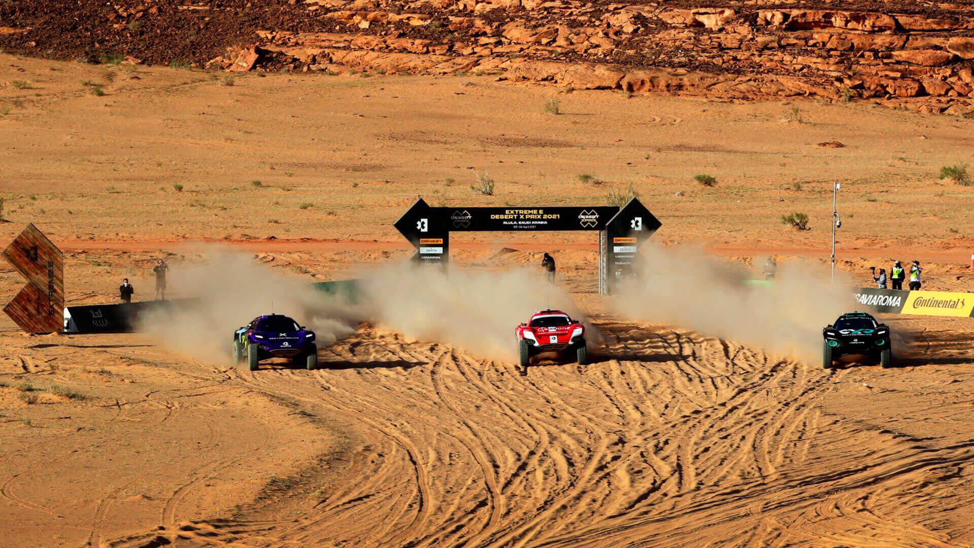 В Саудовской Аравии стартовал первый этап новой гоночной серии Extreme E