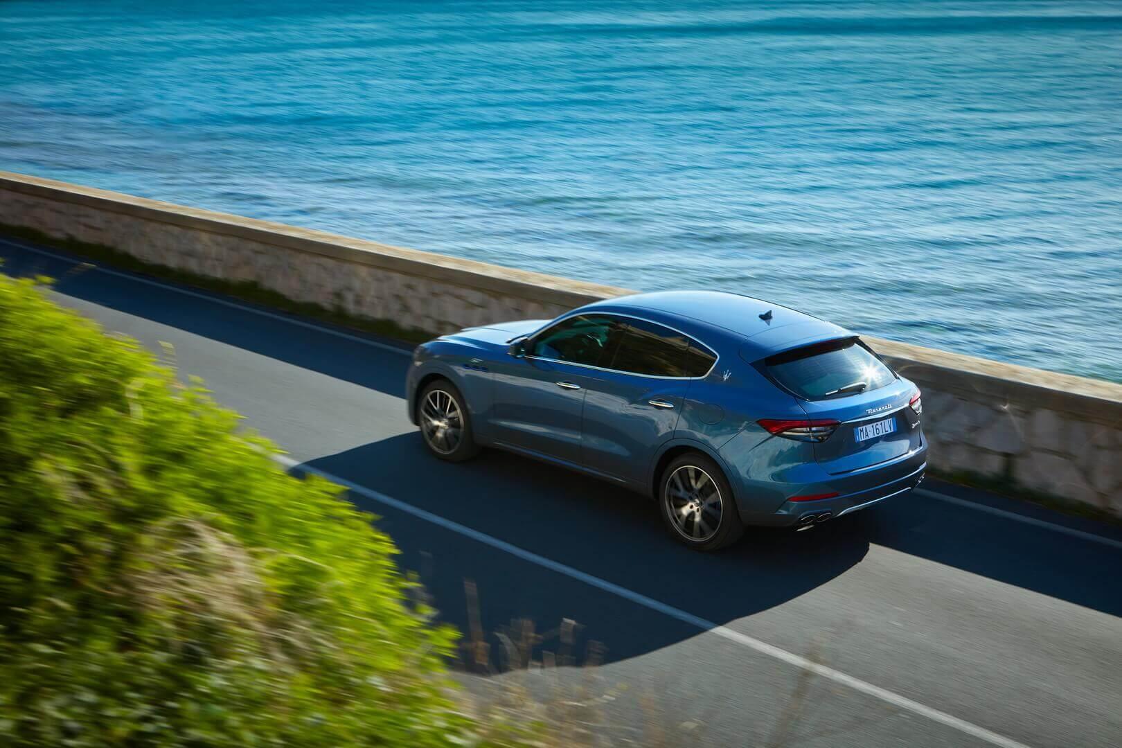 Премиальный гибридный кроссовер Maserati Levante Hybrid