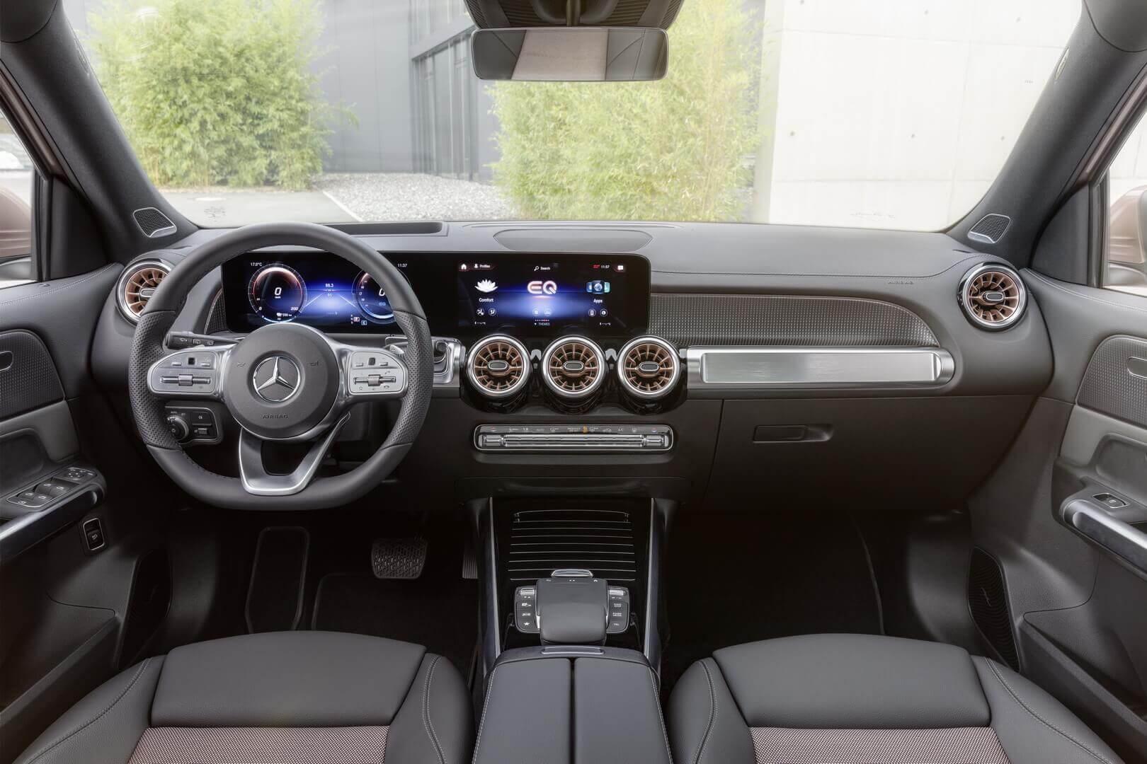 Интерьер Mercedes-Benz EQB