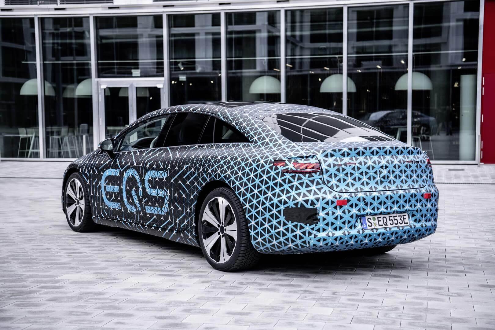 Электрический флагманский седан Mercedes-Benz EQS