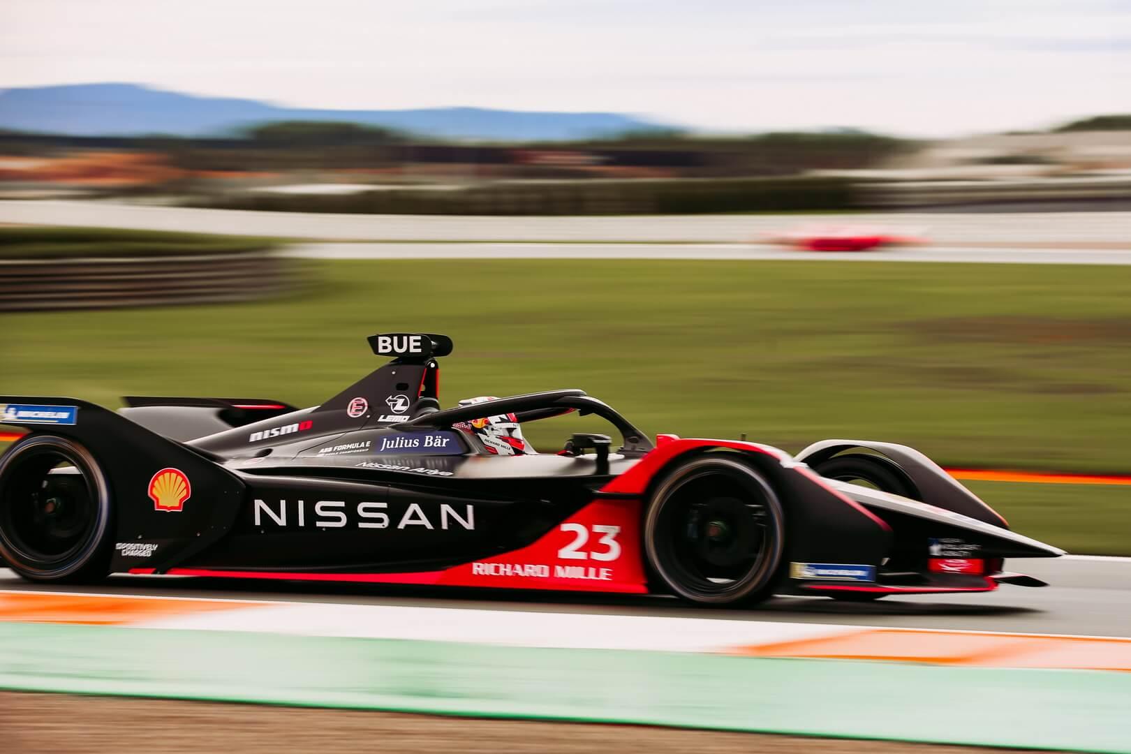 Nissan активно реализует стратегию электрификации и подтверждает участие в гоночных чемпионатах серии Formula E со своими электрическими болидами Gen3