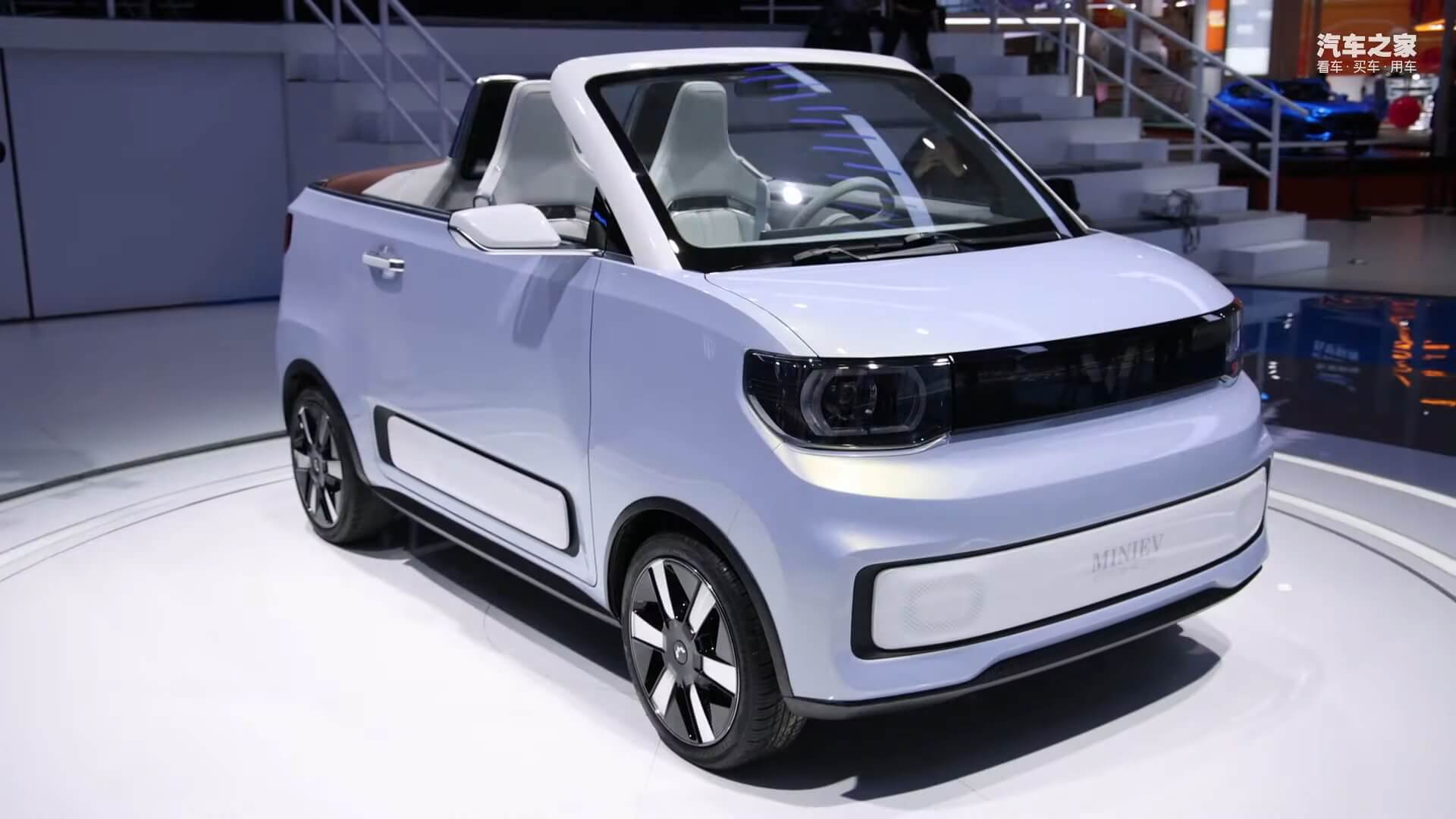 Китайский электрокар-бестселлер Hong Guang MINI EVстал кабриолетом
