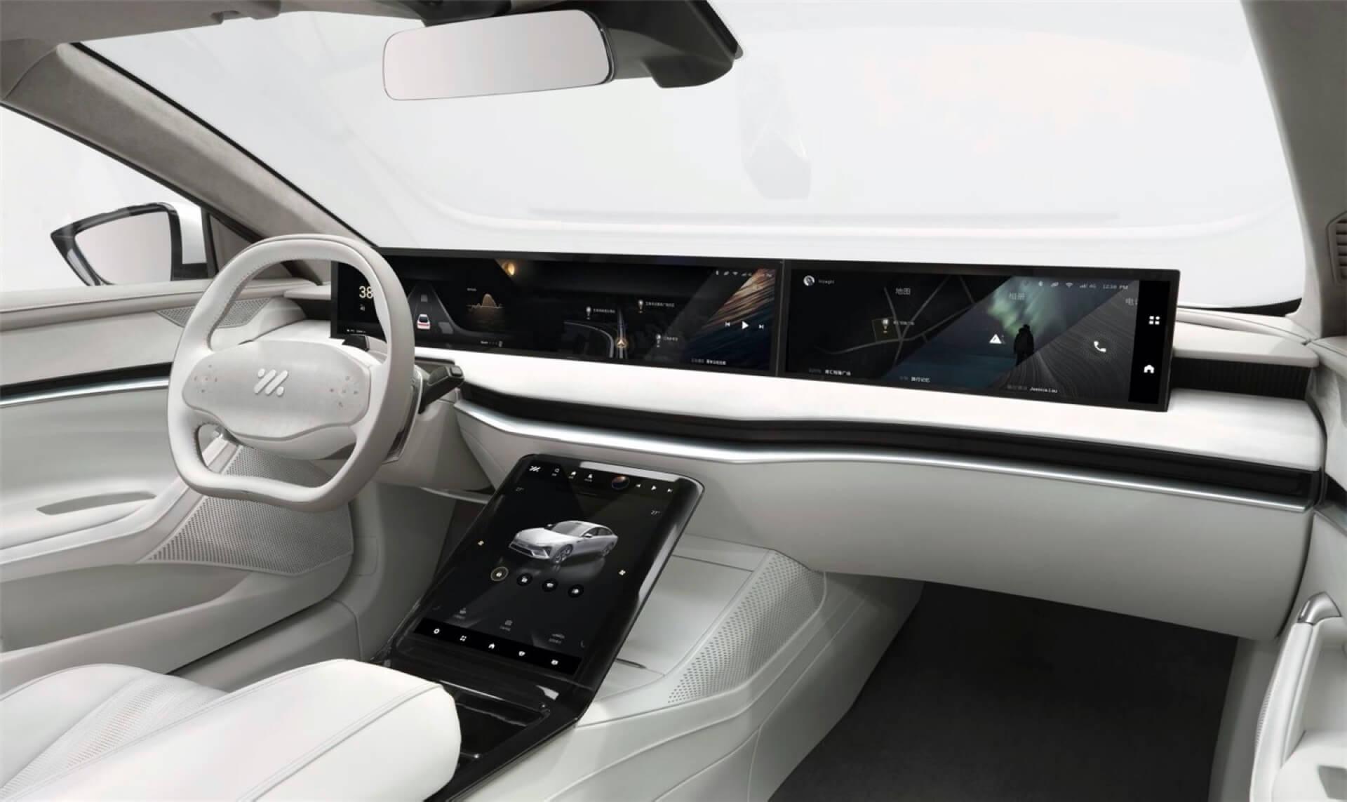 Электромобиль Zhiji L7 получил 39-дюймовый экран разрешением 4K по всей ширине приборной панели
