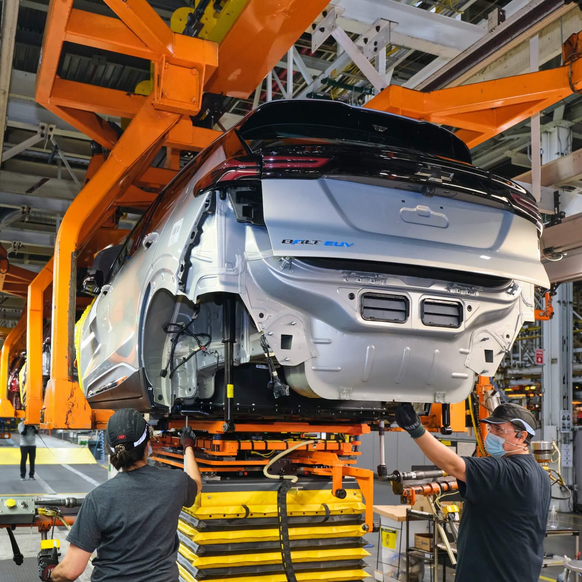 GM производит обе модели Chevrolet Bolt на своем заводе Orion Assembly, расположенном в Орион Тауншип (штат Мичиган)