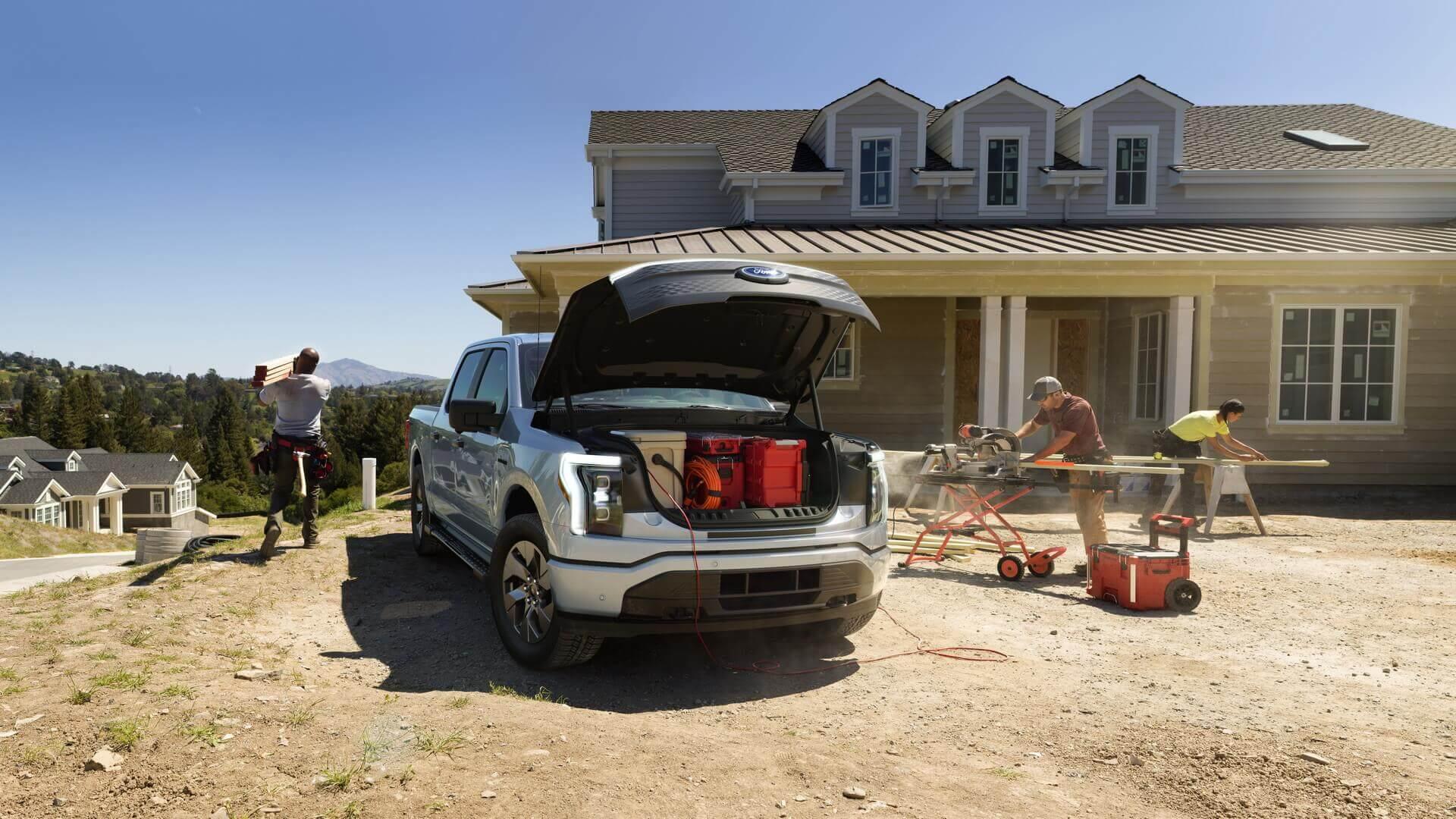 Ford F-150 Lightning вероятно получил самый большой передний багажник среди всех серийных автомобилей