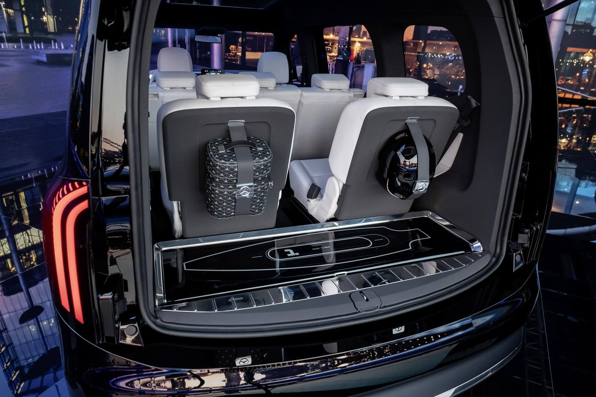 Трансформируемый салон Mercedes-Benz EQT