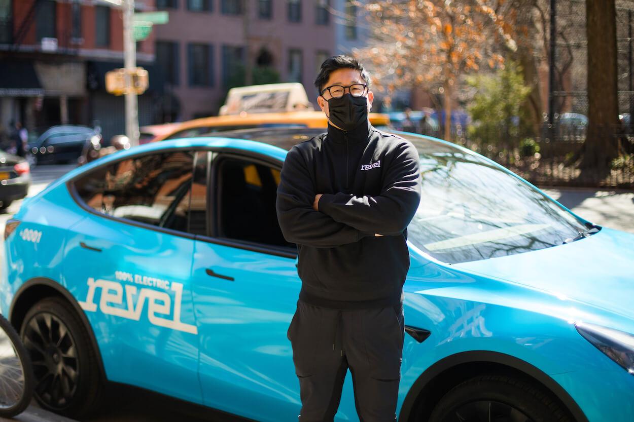 Парк из50такси Tesla заблокирован вНью-Йорке понепонятным причинам