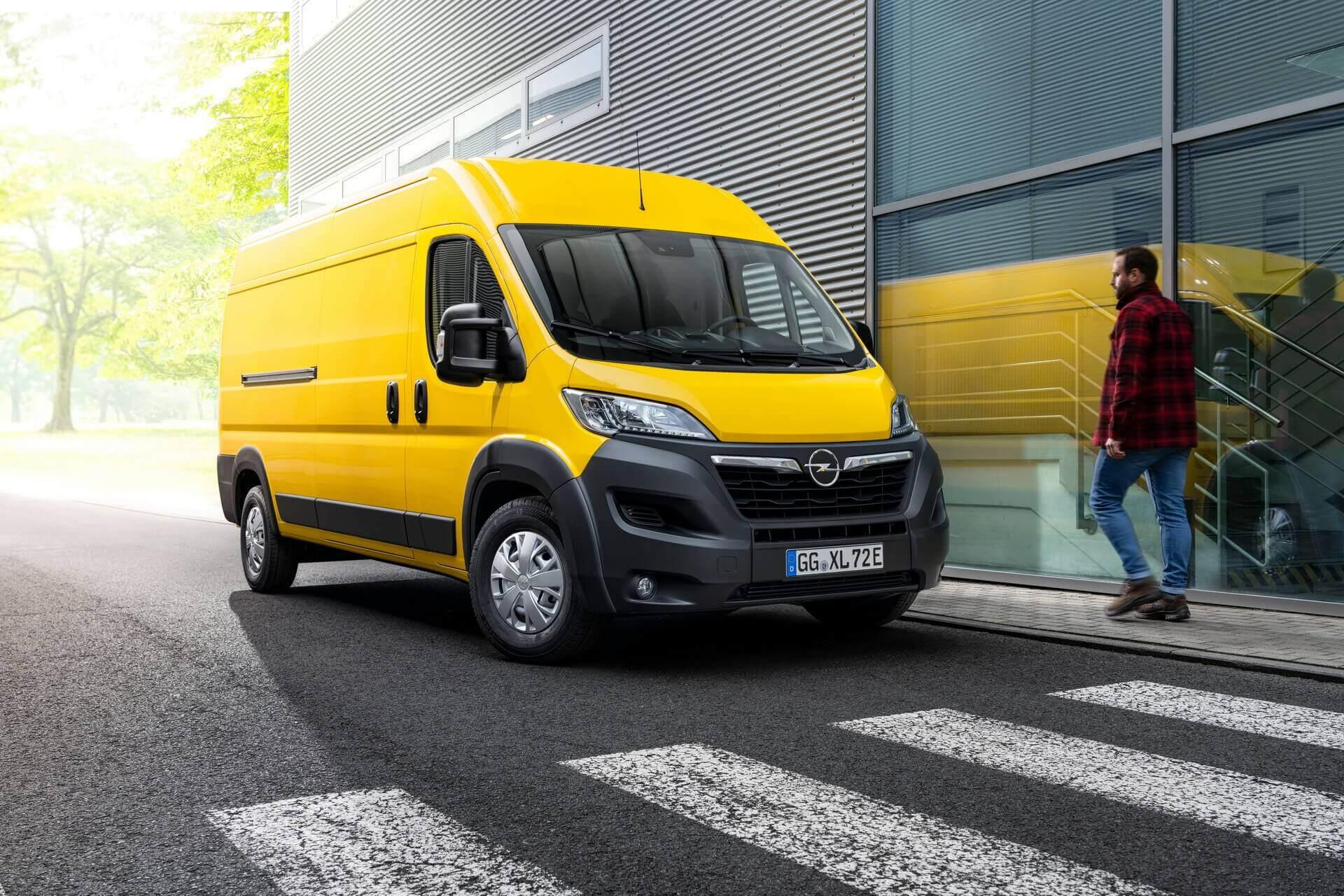 Электрический фургон Opel Movano-e