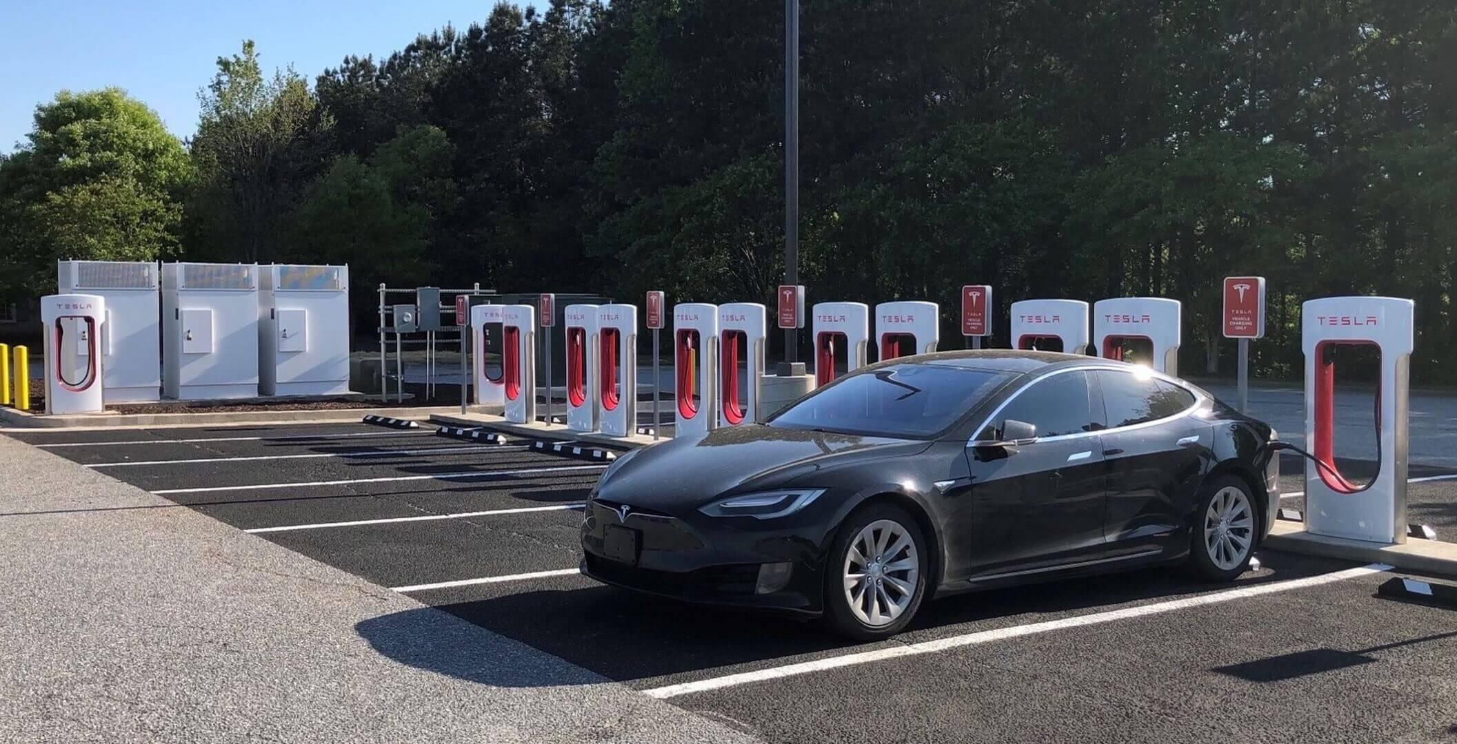 Tesla откроет некоторые станции Supercharger для других автопроизводителей в2022 году