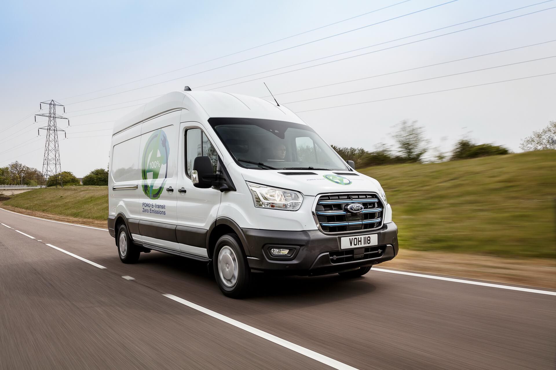 Электрический фургон Ford E-Transit для испытаний