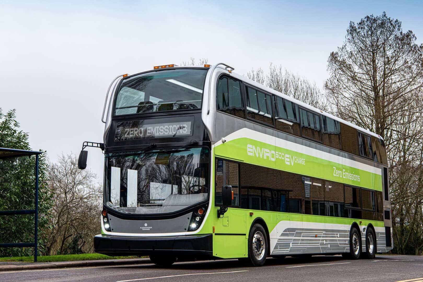 Первый полностью электрический трёхосный двухэтажный автобус Enviro500EV CHARGE