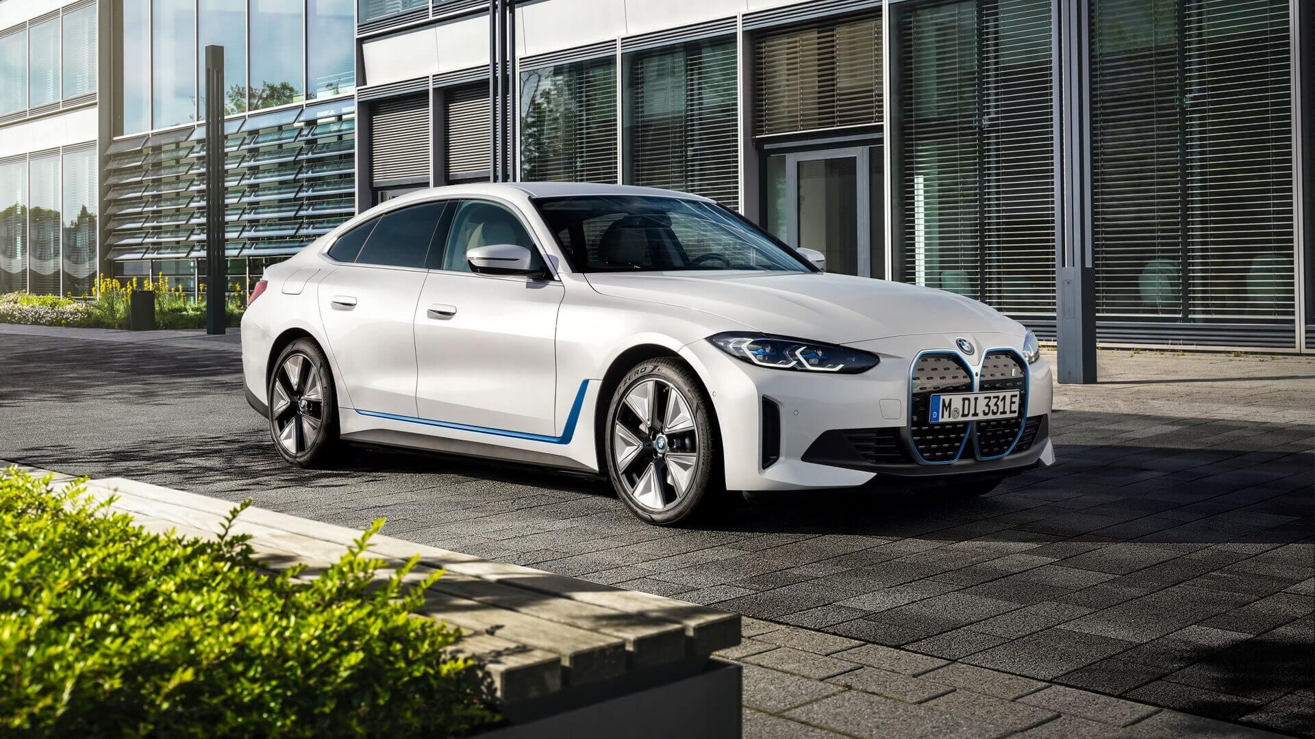 Электрический спортивный седан BMW i4 eDrive40