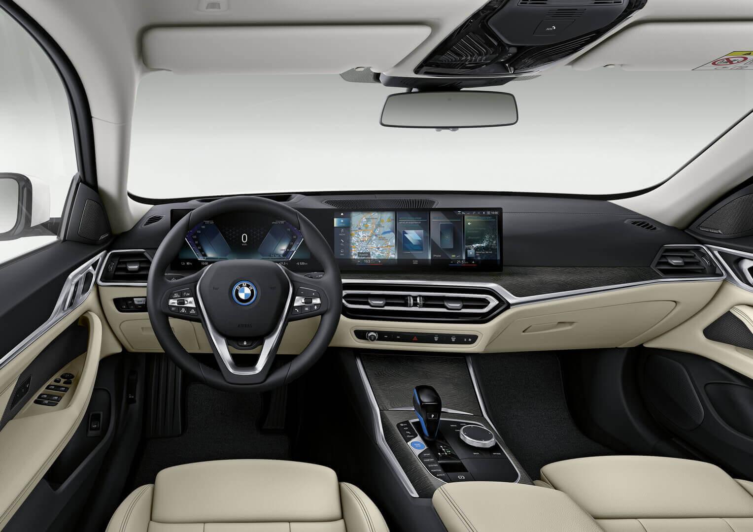 Интерьер BMW i4 eDrive40