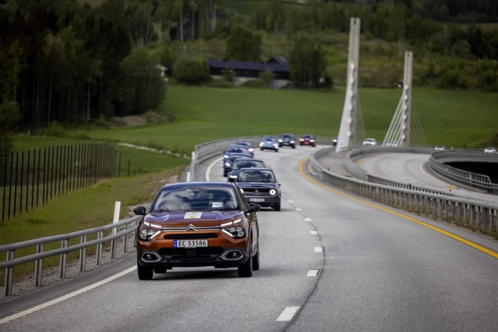 В Норвегии провели масштабные летние испытания 21 электромобиля