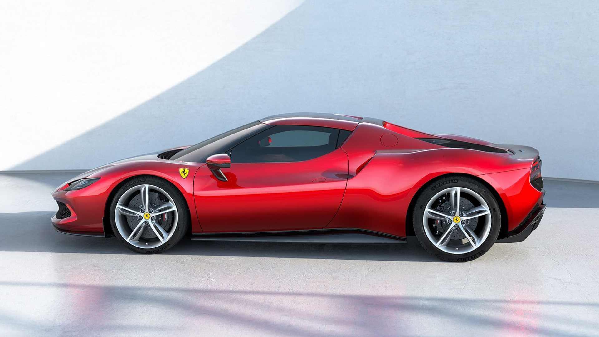 Подключаемая гибридная система Ferrari 296 GTB максимизирует удобство использования и удовольствие от вождения