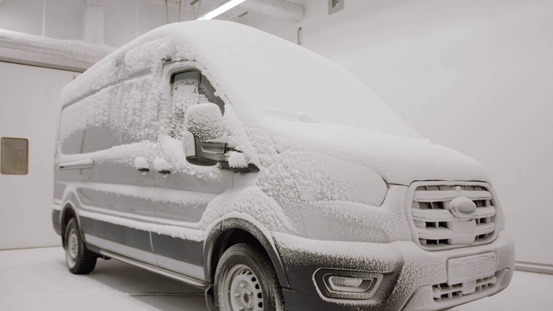 Тестирование Ford E-Transit в экстремальном холоде