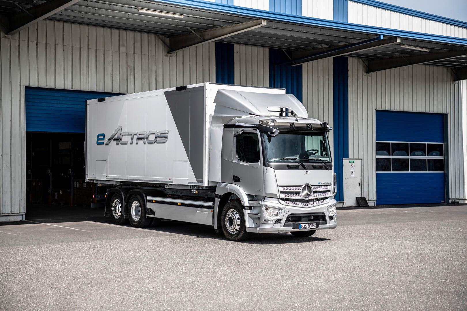 Mercedes-Benz Trucks представляет серийный электрогрузовик eActros