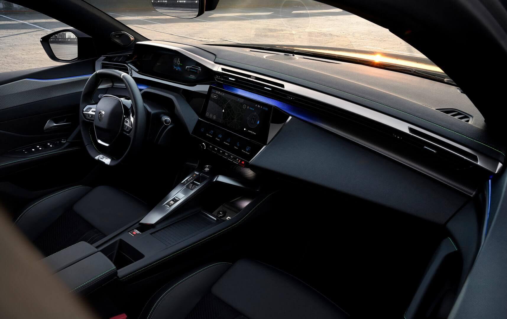 Интерьер Peugeot 308SW