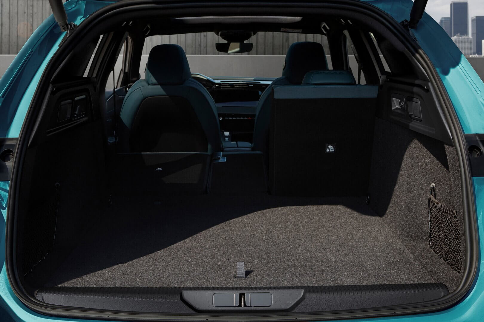 Багажное отделение Peugeot 308SW