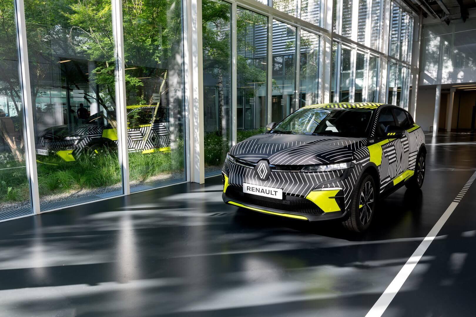 Модель Renault Megane E-Tech Electric в серийной версии назовут Renault MeganeE