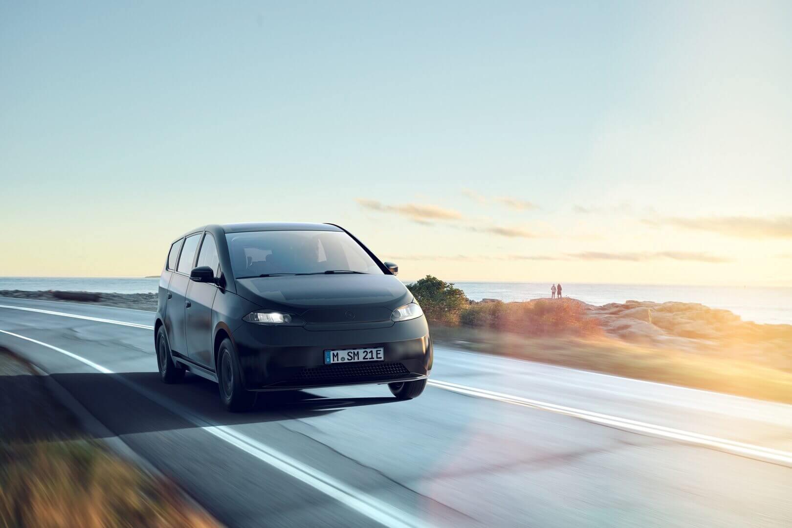 Новая LFP батарея емкостью 54 кВт⋅ч обеспечивает Sion пробег до 305 км и максимальную мощность зарядки до 75 кВт