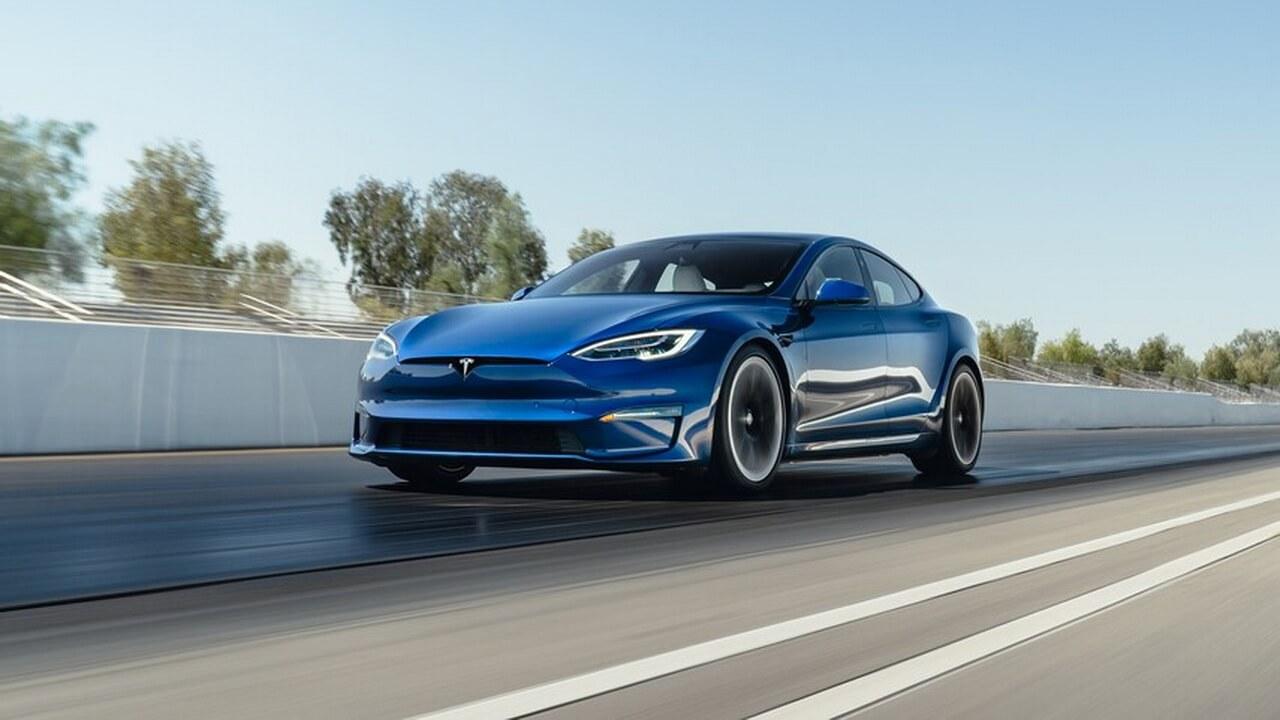 Tesla Model S Plaid разгоняется 0–60 миль/час за 1,98 секунды
