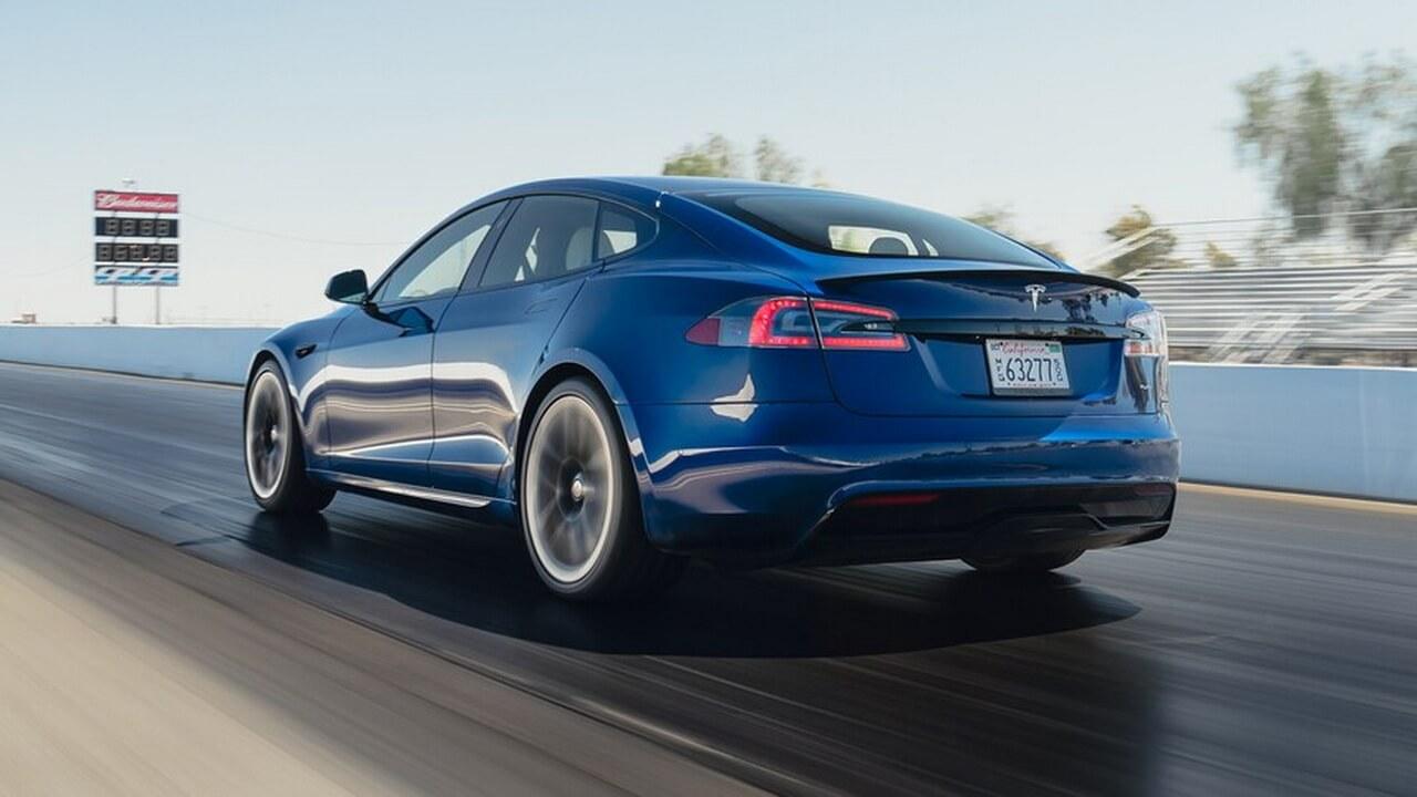 Новая Tesla Model S Plaid бьет рекорды в первом независимом тесте