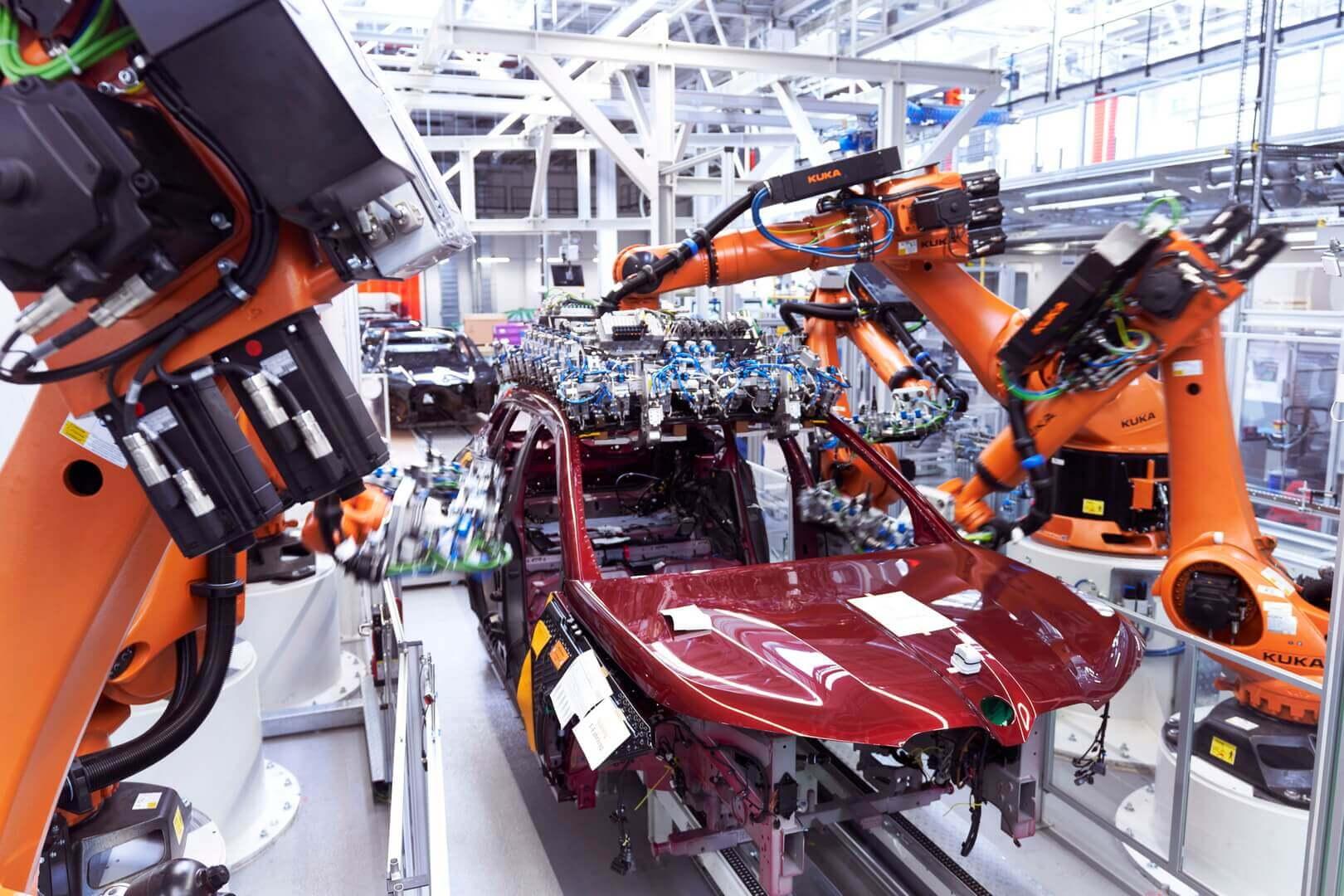 Производство полностью электрического внедорожника BMW iX стартовало на заводе Дингольфинге