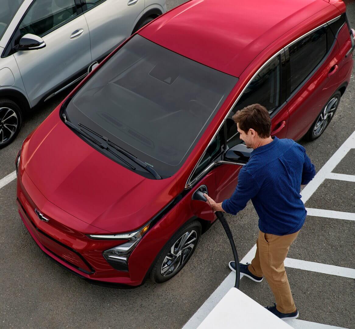 GM объявляет о новой услуге по зарядке автопарков, призванной ускорить процесс электрификации